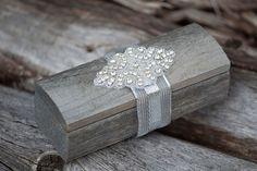 Boîte de bagues de mariage en bois par lechoixdelamariee sur Etsy