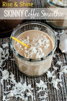Rise and Shine Skinny Coffee Smoothie //  packed with bananas and coconut milk, vegan, dairy-free, and gluten free #healthy
