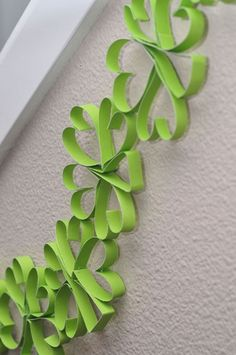 St. Patrick's Day Shamrock Garland, DIY St. Patrick's Day bunting, handmade decor ideas for St Patricks  #decor #garland #idea www.loveitsomuch.com