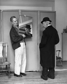 Kalischer has always been reluctant to associate himself with Rockwell's work. His photographs appear in neither the exhibition at the Norman Rockwell Museum nor in the book Norman Rockwell: Behind the Camera. Here, in Rockwell works with model Tom Carey. Norman Rockwell Art, Norman Rockwell Paintings, Social Art, Photos, Pictures, Photographs, Art Music, American Artists, Belle Photo