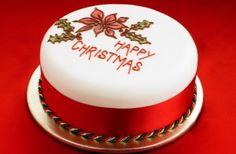 40 Christmas cake ideas - Classic chic Christmas cake - goodtoknow