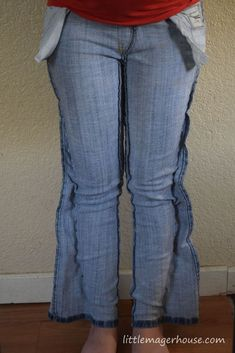 Latest Totally Free Make Skinny Jeans Yourself from Regular Jeans - Little Mager House Popular I enjoy Jeans ! And a lot more I love to sew my own personal Jeans. Next Jeans Sew Along I'm lik Altering Jeans, Altering Clothes, Revamp Clothes, Sewing Clothes, Sewing Jeans, Clothes Refashion, Shirt Refashion, Refashioned Clothes, Diy Shirt