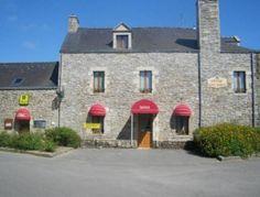 Auberge Saint Hernin.  L'Auberge  est située à Pluherlin, à 5 km du parc de la préhistoire de Malansac et à 1,5 km de Rochefort-en-Terre.