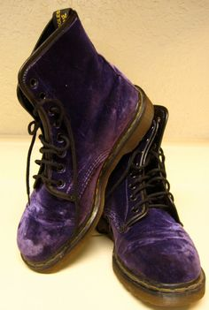 These are fucking purple velvet doc martens Grunge Outfits, Grunge Fashion, Look Fashion, Dr. Martens, Dr Martens 1460, Zooey Deschanel, Shoe Boots, Ankle Boots, Shoe Bag