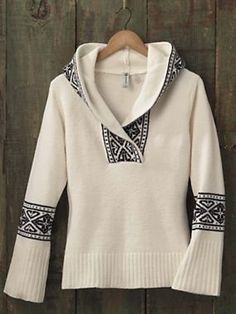 I love sweaters that are clean but not dull, and this is about the classiest, most Elven design I have ever seen.