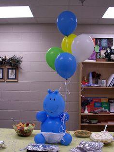 Hipopótamo con globos como centro de mesa para Baby Shower   Manualidades para Baby Shower