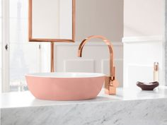Image your perfect bathroom setting. Have you ever thought about a pink washbasin in a trend colour like pastel powder? Let your girl dreams of a stylish bathroom come true und get inspired by this beautiful interior design. Top 10 Bathroom Designs, Bathroom Design Black, Bathroom Design, Gold Bathroom, Washbasin Design, Gold Bathroom Decor, Marble Bathroom, Stylish Bathroom, Pink Bathroom