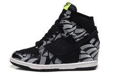 super popular b42a5 85381 nike shoes on. Nike Dunk Sky Hi ...