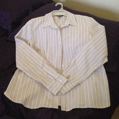 Ladies George casual button down work shirt Stripe gray and white and with collar,  worn once, excellent condition like new George Tops Button Down Shirts