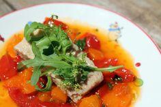 Ensalada de bonito con tomates y albaricoques salteados - El Aderezo - Blog de Recetas de Cocina