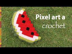 Pixel art en crochet: ¡muy divertido! Almohadón sandía de muestra - YouTube