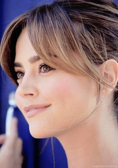 Jenna Louise Coleman Can I please have her face *-*
