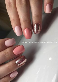 Simple Peach and Gold Glitter Nail Design peach Nails 43 Beautiful Prom Nails for Your Big Night 693132198884644213 Short Nail Designs, Simple Nail Designs, Nail Art Designs, Peach Nails, Rose Gold Nails, Cute Nails, Pretty Nails, My Nails, Manicure