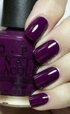 trendige Nägel Winterfarben Schellack Gelpolitur You can collect images you discovered organize them, add your own ideas to your collections and share with other people. Purple Nail Art, Purple Nail Polish, Nail Polish Colors, Shellac Colors, Color Nails, Dark Nails, My Nails, Plum Nails, Oxblood Nails