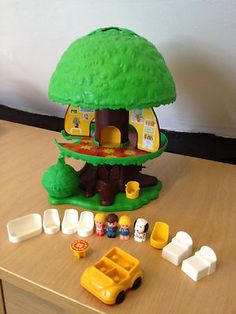 Vintage Retro 1970's complete PALITOY childrens treehouse in full working order