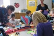 Tekenstudio - Hoeden maken Unique Art Projects, Picnic Blanket, Outdoor Blanket, Pediatric Occupational Therapy, Classroom Fun, Pediatrics, Fall Crafts, Kids And Parenting, Menu