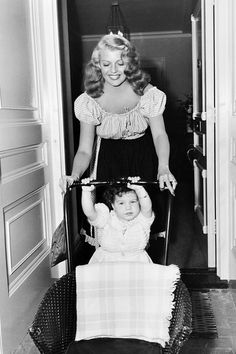 """theritahaywortharchive: """"""""Rita Hayworth and her daughter Rebecca Welles at home, 1946 """" """" Old Hollywood Stars, Golden Age Of Hollywood, Vintage Hollywood, Classic Hollywood, Hollywood Divas, Hollywood Homes, Classic Actresses, Classic Movies, Beautiful Actresses"""