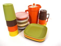 Vintage Children's Tupperware // I remember the specific Tupperware party where this was sold at my aunts house! How do u not love Tupperware! And vintage is much more my style
