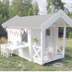 One of one of the most fulfilling and simplest weekend jobs it is possible to do to stimulate your child's creativity would be to develop an outside playhouse. Outside Playhouse, Girls Playhouse, Backyard Playhouse, Build A Playhouse, Outdoor Playhouses, Kids Playhouse Plans, Cubby Houses, Play Houses, Casas Club