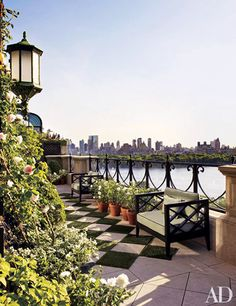 The Most Gorgeous Urban Rooftop Gardens