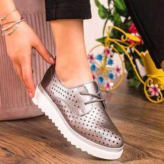 Pantofi Piele dama gri MDL00268 Stella Mccartney Elyse, Wedges, Casual, Shoes, Fashion, Moda, Zapatos, Shoes Outlet, Fashion Styles