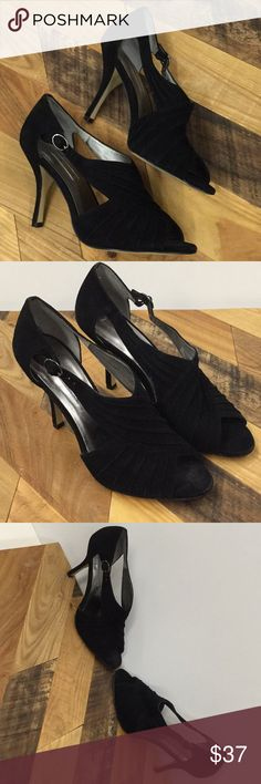 68d8a160480b7 NWOT Stuart Weitzman Evening Shoes NWT in 2018