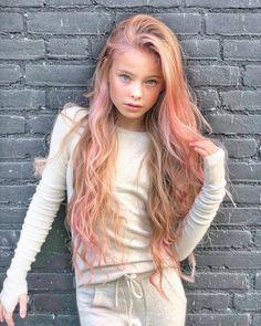 Red Hair Little Girl, Little Girl Models, Child Models, Cute Girl Dresses, Cute Girl Outfits, Beautiful Little Girls, Beautiful Children, Cute Young Girl, Cute Girls