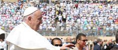 Noticias ao Minuto - 'Melhor não crer em Deus do que ser falso crente', diz Papa no Egito