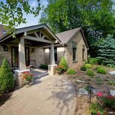 Traditional Exterior Updating Ranch Bungalow Design, Pictures, Remodel, Decor and Ideas - page 6