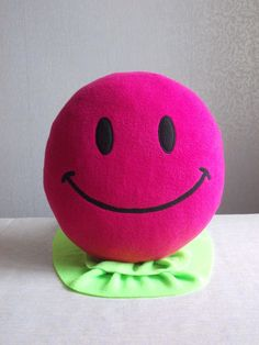 #Pink #emoji #round #pillow bright pink smiley face from Pillowsrollanda.etsy  #145 album in Picasa