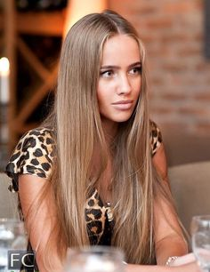 Dark blonde hair. this is seriously exactly what I want.