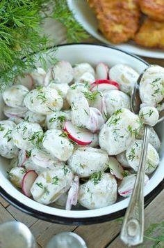 Sałatka z młodych ziemniaków z rzodkiewką i koperkiem