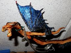 "Der Pferdedrache ""PFLUFTL"" - Wurzelholz, Zinn und Kupfer 85x24 cm, 1,1 kg, UNIKAT !   #Drache #art #kunstwerk #skulptur #zinn #wurzel #schwemmholz #Pferde #Treibholz #Metall #Zinn #Wurzldrache #Lugsteiner Harald #h.luggi #Unikat #Steampunk Men Dress, Dress Shoes, Zinn, Steampunk, Oxford Shoes, Lace Up, Fashion, Walnut Burl, Driftwood"