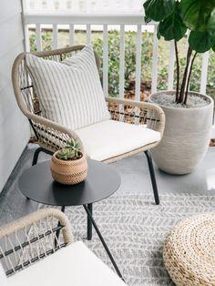 Front Porch Chairs, Front Porch Furniture, Modern Front Porches, Farmhouse Front Porches, Diy Porch, Porch Ideas, Porch Paint, Concrete Porch, Minimalist Home Decor