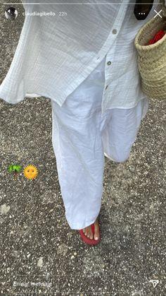 Capri Pants, Outfits, Fashion, Moda, Capri Trousers, Suits, Fashion Styles, Fashion Illustrations, Kleding