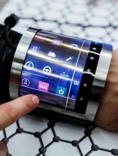 FlexEnable flexible bracelet is essentially your phone turned into a bracelet
