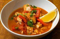 A la hora de comer apetece de vez en cuando un plato calentito, por eso hoy, tenemos preparado esta receta de guisado de ternera de mar Thermomix.