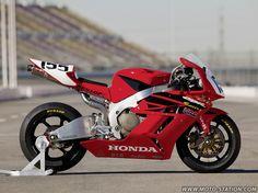 Honda CBR1000RR bostrom 2004 stgz