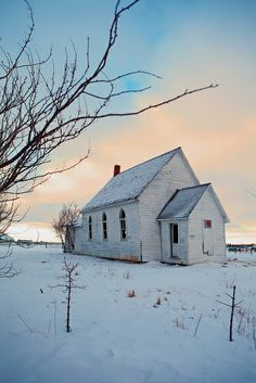 Falling From The Sky, Largest Countries, Winter Scenes, Winter Snow, Abandoned, Calgary, Exterior, Adventure, House Styles