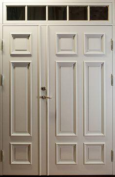 Osymmetrisk pardörr med överljus. | www.allmoge.se Armoire, Tall Cabinet Storage, Furniture, Home Decor, Photo Illustration, Clothes Stand, Decoration Home, Room Decor, Wardrobe Closet