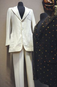 John Lennon's white 'Abbey Road' suit sells for $46,000 | lehighvalleylive.com