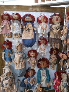 of Sandy 's and Sam's craft shows. Craft Show Booths, Craft Show Displays, Craft Show Ideas, Primitive Stitchery, Primitive Crafts, Homemade Dolls, Fabric Dolls, Rag Dolls, Raggedy Ann And Andy