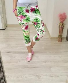 Bavlnené tepláky letné Capri Pants, Clothes, Shoes, Fashion, Outfit, Capri Trousers, Clothing, Zapatos, Moda