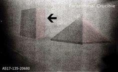 Missão Apollo 17 - Pirâmide e Monolito Encontrado na Lua