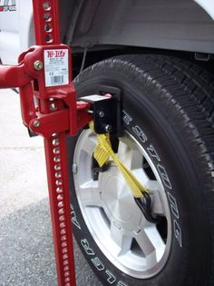 In recent years, many vehicle changes have been made in body styles, bumper styles, larger tires and/or lift kits added, making it harder to find a place to jack up your vehicle. The Lift-Mate is desi Jeep Jk, Jeep Wrangler Yj, Fj Cruiser, Toyota Land Cruiser, Toyota Tacoma Off Road, Toyota Tundra, Jeep Parts, Truck Parts, Rack Velo