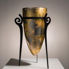 Nos ancêtres les Gaulois par Jean-Pierre Baquere (c) Bruno Farat #handmade #madeinFrance #handcrafted #faitmain #creation #contemporain #contemporary #verre #glass #glassart #SalonRevelations #metiersdart #sculpture #verrier