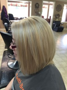 Blonde with platinum blonde highlights. Also used olaplex. Platinum Blonde Highlights, Inverted Bob, Hair Designs, Long Hair Styles, Sexy, Beauty, Hair Models, Long Hairstyle, Long Haircuts