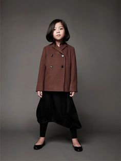 classic children's fashion from Japan showing at Playtime Tokyo Little Girl Fashion, Little Girl Dresses, Family Picture Outfits, Kids Outfits, Fashion Moda, Boy Fashion, Stylish Kids, Kid Styles, Kids Wear
