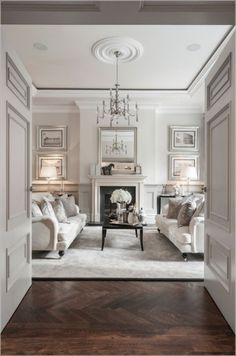 Awesome Chic Living Room Wall Decor Ideas - Home and Garden Decoration Chic Living Room, Formal Living Rooms, Interior Design Living Room, Living Room Designs, Living Room Decor, Interior Designing, French Living Rooms, Living Spaces, Victorian Home Decor