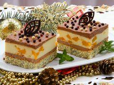 Makowy biszkopt i sernik z brzoskwiniami przełożony kremem czekoladowym.